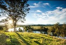 Byron Bay & Northern Rivers - NSW / Bounded by the Pacific Ocean to the east, the New England region to the west & the Queensland boarder to the north.   The fertile valleys of the Clarence, Richmond and Tweed rivers and the region's picturesque white sandy beaches.
