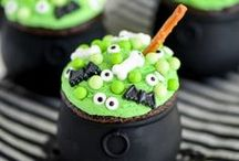 Halloween Fun ❣ / Amazing Halloween party food, free Halloween printables, Halloween decorating ideas, Halloween party ideas, family costume ideas, activities for kids, trunk or treat ideas, pumpkin carving and decorating, art and crafts, and  easy face painting ideas!