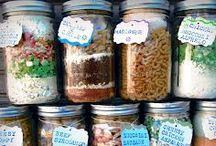 Meals in a jar / by Quinessa Passey