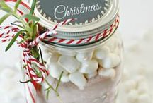 DIY Christmas Gifts / Homemade Christmas gifts and Christmas presents you can make yourself as perfect DIY gift ideas and crafty Presents for friends.