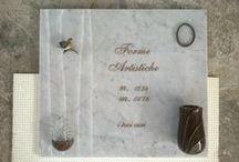 Lapidi / La Fornasa Marmi snc realizza lapidi e loculi con incisioni ed applicazioni. Realizza anche tombe di famiglia e cappelle. www.fornasamarmi.com