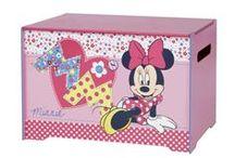 Speelgoedkisten en opbergkisten / Maak het opruimen van kamer makkelijk en leuk met één van deze speelgoedkisten. Handige opbergbakken die ook vaak als zitbankje gebruikt kunnen worden.