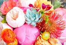 Wedding | Bridal Bouquets & wedding flower decor - beautiful and eye catching / multiple colors and types of flowers to make your bouquet magical