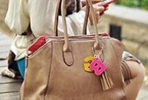 GIRLS BAG / どこにでもいる普通の働く女子たちが、本当に欲しいお仕事バッグをプロデュース! The working girl produced  these business bags.