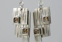 Boucles d'oreille / by Kathleen Paquin