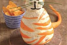 DIY Eats / Create these homemade delicacies to impress and treat your cat