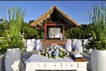 Your wedding in Bali / Turn the wedding of your dreams into a fabulous reality. Whether you plan on a traditional Balinese or contemporary style wedding, a lavish affair or an intimate ceremony for two, your wedding day will be effortlessly planned to precision at Four Seasons Resorts Bali.
