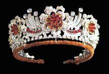 Tiary angielskie - Rubinowa Królowej Elżbiety