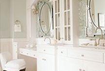 Bathrooms / by Andrea Schreiber