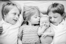 Sweet Sibling Shots / Poses and ideas for those sibling photos that capture every mama's heart.