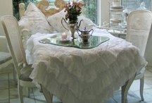 Shabby Chic Living / AHhhh, Such a warm , inviting ,softly floral world in whitch we live, HaPpilY / by Susan Thompson