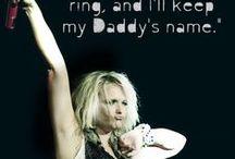 Miranda Lambert  love her / by Kimmie Fried