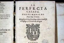 León, Luis de, 1527-1591. De los nombres de Christo. La Perfecta casada / De los nombres de Christo es considera un dels llibres en castellà més elegantment escrits del renaixement espanyol. Esdevingut un clàssic de la literatura del segle XVI, es presenta en forma de diàleg entre tres frares agustins, Marcelo, Juliano y Sabino, i constitueix un autèntic compendi de la teologia humanista. De los nombres de Christo sovint es presenta relligat amb La perfecta casada, del mateix autor, un comentari, de títol eloqüent, de l'últim capítol del Llibre dels proverbis