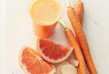 juices//smoothies / by Julia Colgan