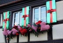 ~Outdoor Christmas Decor~ / by Nina Ridgeway