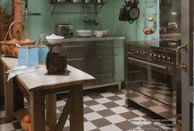 Kitchen / by Erandi Velarde