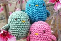Bird / Plush birds, stuffed animals and toys. Sewn, crocheted, felt and knitted.  Inspiration for crafts and home decor. Includes indie handmade makers.