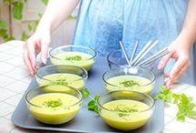les recettes faciles - ingrédients de saison / les #recettes #faciles à partir des ingrédients de saison: 9 idées recettes rapides et faciles pour un repas réussi, salade de #haricots verts , un #Tian #poivrons et #tomates, des œufs a la #coque, une purée de #courgettes, en dessert une succulente #compote de #prunes avec des #meringues concassées croustillantes et fondantes !