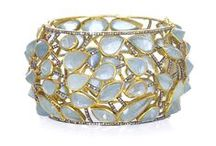 Jewelry.  Frost yourself! / by Iraida Oliva