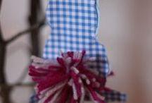 Ostern: basteln mit Kindern / Alles zum Thema Osterbasteln mit Kindern: Ostereier färben, Osterstrauß Anhänger aus Papier und Wolle basteln, Fensterschmuck für Ostern mit Kindern machen