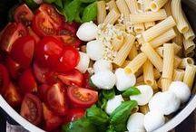 One Pot Pasta / Alles zum Thema One Pot Pasta: alle Gerichte, die in einem Topf zusammen gekocht werden.