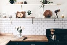 BLACK + WHITE / So elegant, so timeless. Black and White kitchens are the rage! Enjoy!
