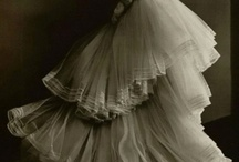Gowns / by Rebecca Hawkins