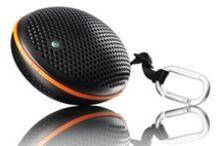 Bluetooth Lautsprecher / Lautsprecher und Brüllwürfel, für unterwegs, damit man überall seine Musik (z.B. bei Partys, im Schwimmbad oder im Garten) teilen kann.