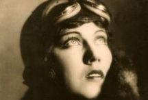 Fay Wray / A board for a 1930's beauty.