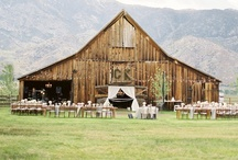 Rustic Outdoor Wedding / With a hint of vintage, a lot of comfort and even more natural inspiration, the pinners at #arizonaweddingsmagazine love these ideas for the Rustic Outdoor wedding.