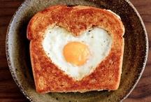 E G G S / I love eggs. / by GIRLS PEARLS & POWDER