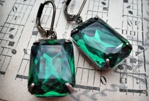 2013 Pantone Color: Emerald / PANTONE 17-5641 Emerald, a lively, radiant, lush green, is the Color of the Year for 2013.