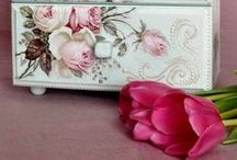 Decorating With Pink... / by Melinda Ingle
