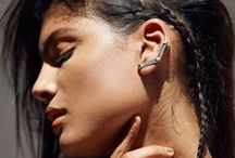 Ear Cuff Obsession: Accessory Trends / Ear cuff, ear bar, or ear jacket these ear pieces are exactly what your jewelry box is looking for. This edgy chic accessory trend will refresh any outfit.
