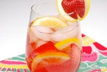 Easy Cocktail Recipes / Easy cocktail recipes for fall, winter, spring and summer!   Classic Cocktails | Holiday Cocktails | Party Cocktails