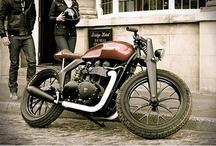 Motocycles / by Hugo Kronemberger