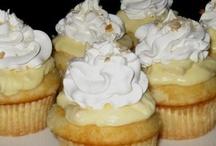 Cupcakes & Muffins / by Christine Whisenhunt