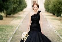 Black Wedding Detail / Black wedding ideas including bespoke wedding stationery