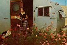 Camper / Vintage camper photographs and information.