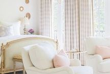 Bedrooms / Comfortable and chic bedroom styles.