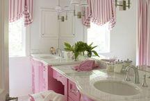 Powder/Bath Room