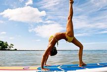 SUP Surf & Yoga / Stand up paddle board yoga and surfing