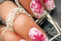 Makeup & Nails / by Daph Widener