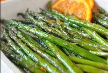 Foodie: Appetizers and Sides / by Jessica Roshak