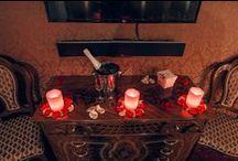 """Номера стандарт свадебного отеля """"Питер Hotels"""" / Номера категории """"cтандарт"""" - это уютное место для отдыха, где мягкое освещение создает романтическую атмосферу. Подогрев полов не позволит  замерзнуть зимой, а кондиционер спасет от жары летом. Интерьеры дополнены художественной мебелью итальянского производства. Во всех номерах отеля есть Wi-Fi и широкоформатный телевизор."""