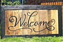 DIY Wood Signs & Stuff / by Felecia Johnson Ozant