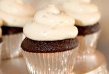 Cute Cupcake Wedding Cakes / Photos of cupcake wedding cakes. / by Simple Big Day