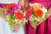 Simple Wedding Bouquet Ideas / Simple wedding bouquet ideas for brides who want something beautiful and not overly fussy. / by Simple Big Day