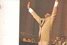 Ray Charles Bows