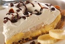 Cheesecake, pie & tart Recipes / by Ana Jiménez
